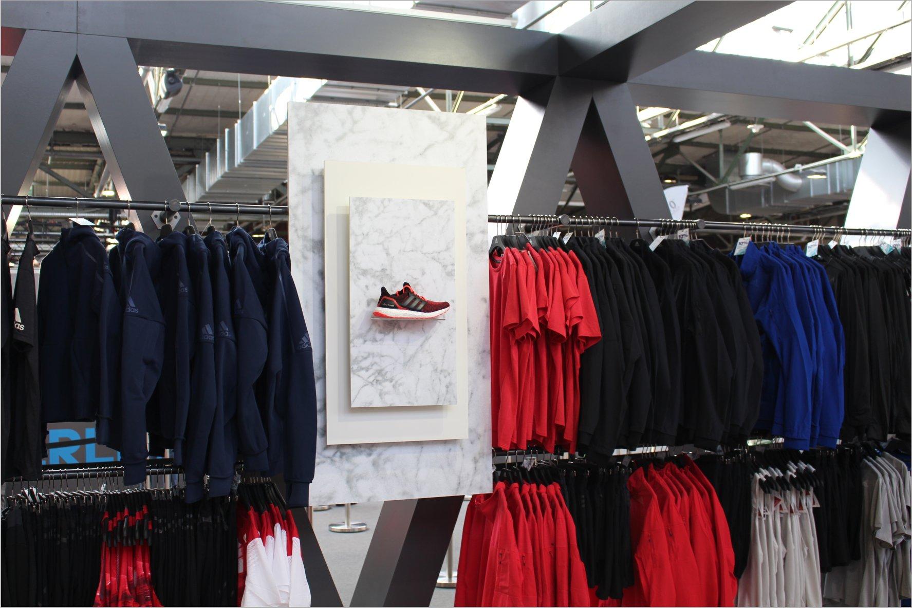 adidas messestand bei der berlin vital messe. Black Bedroom Furniture Sets. Home Design Ideas